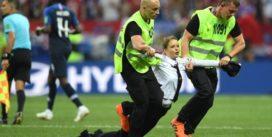 Pussy Riot сорвали финал Чемпионата мира